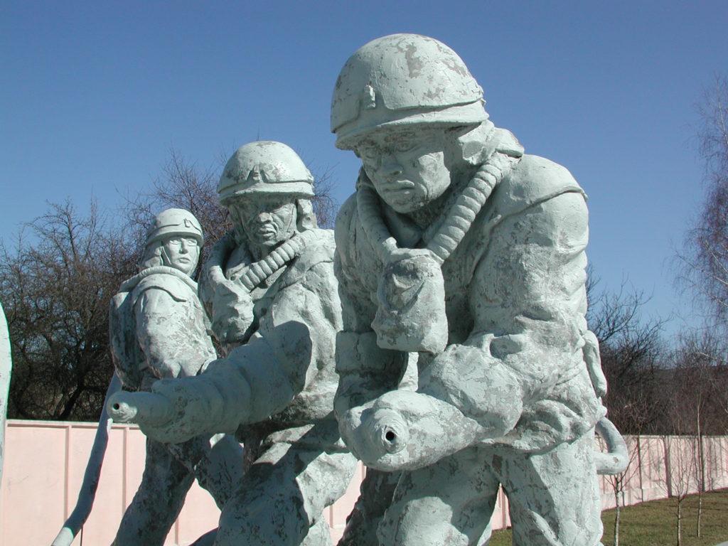 Chernobyl_liquidators_monument
