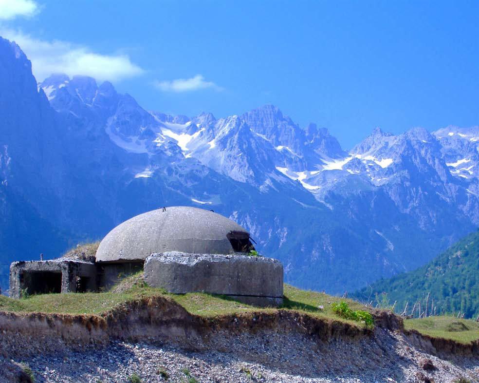 Bunker_in_Albanian_Alps